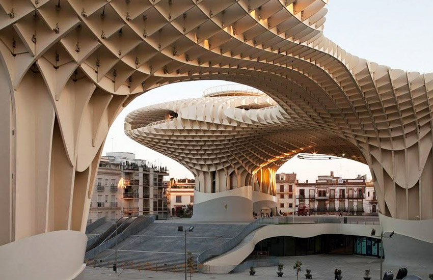 I studied abroad in Seville and let me tell you I know a lot about this city. Check out this itinerary for the top things to do during your three days in Seville